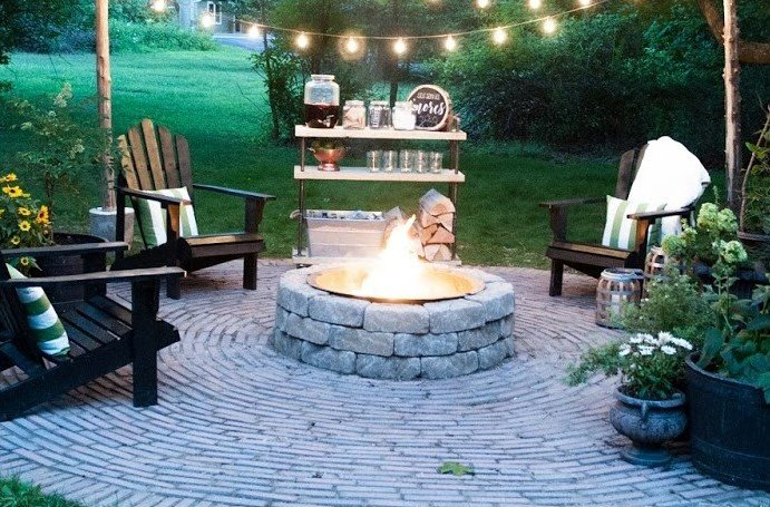 Fire Pits & Fall Go Together